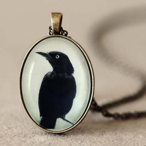 raven_pendant