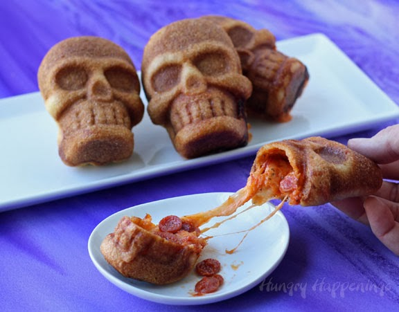 Halloween-pizza-stuffed-skulls-recipe